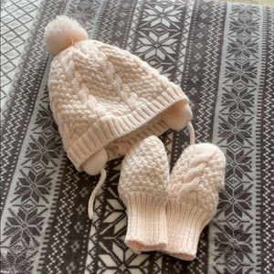 Other - Hat and mittens set